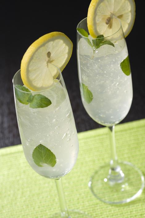 シャンパンゼリーのレモンスカッシュ