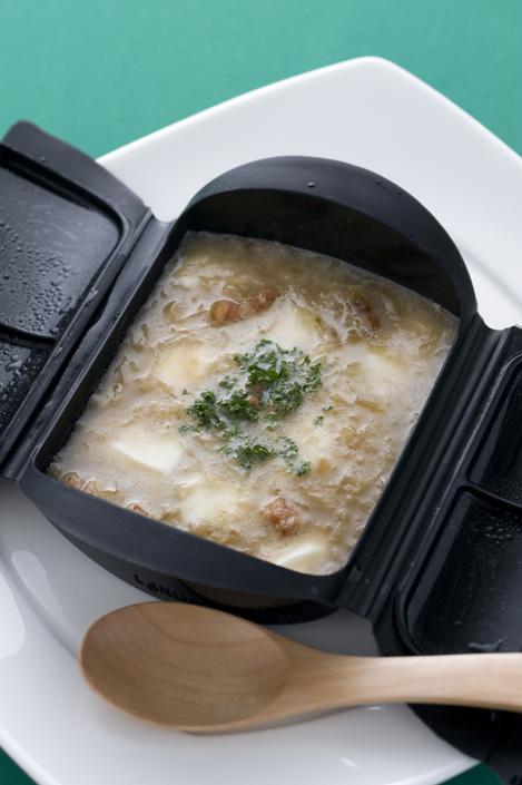 モッツァレラチーズ入りオニオンスープ